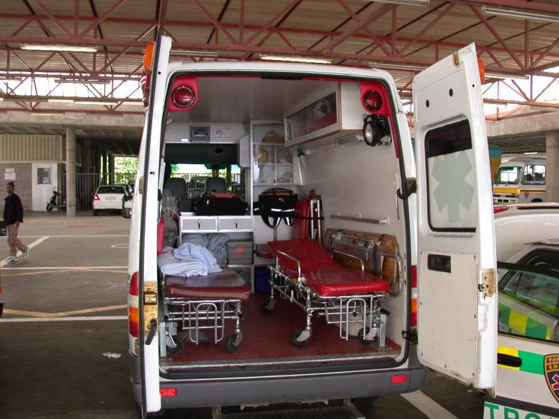 Standard Rettungswagen mit Innenansicht