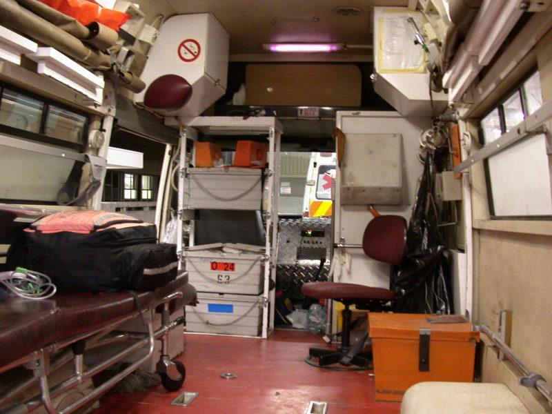 Innenansicht eines Rettungswagen