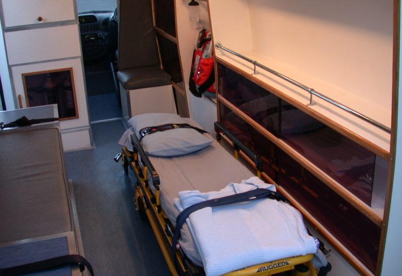 Innenansicht eines RTW vom privaten Ambulanz-Service