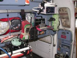 Innenansicht des Rettungshubschraubers